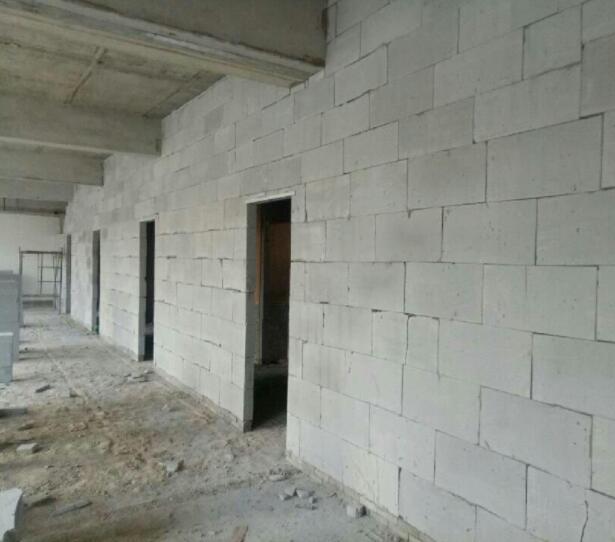 江西轻质砖隔墙包粉